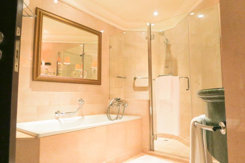 phoenicia hotel review beirut lebanon asia blog hotels lebanon - Bathroom Cabinets Beirut Lebanon