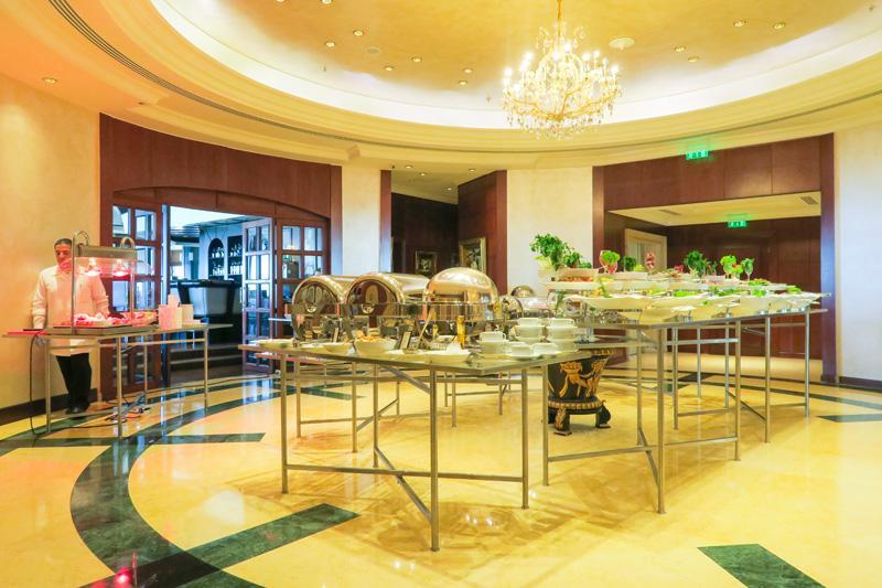 le ciel restaurant review beirut lebanon pierreblake. Black Bedroom Furniture Sets. Home Design Ideas